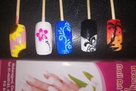 colored-nail-art-learn-nail-art-in-kathmandu-nepal-migliore-nails-5