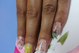 Gel-Nail-Artificial-Nail-Art-3D-Flower-Nail-Art-With-Glitters-Nail-Art-in-Kathmandu-Nepal-Migliore-Nails-4