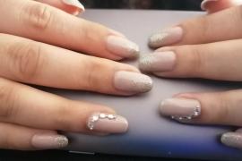 gel-nail-nude-color-golden-glitter-stone-nail-art-in-kathmandu-nepal-migliore-nails-nailarttraininginkathmandunepal-5