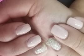 Nude-Off-White-Gel-Polish-Golden-Glitter-on-Natural-Nail-Nail-Art-in-Kathmandu-Nepal-Migliore-Nails-6